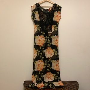 Jen's Pirate Booty Black Floral Maxi Dress size S